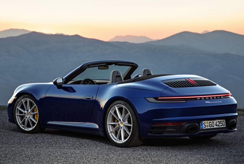 Porsche apresenta 911 Cabriolet e confirma lançamento do veículo no Brasil
