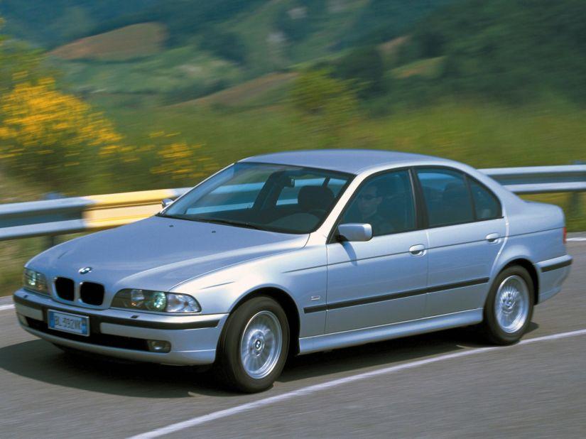 """BMW anuncia novo recall por """"airbags mortais"""""""
