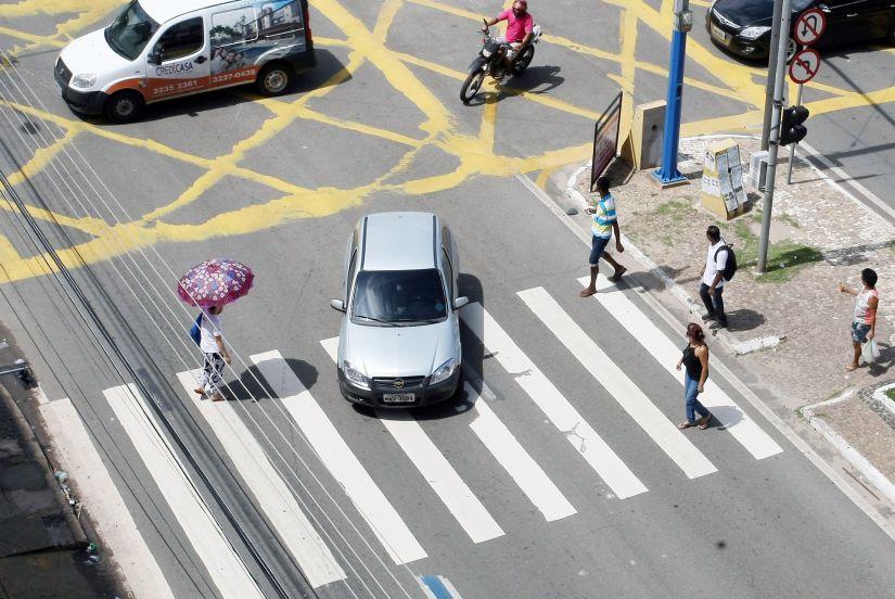 Multas para pedestres e ciclistas são revogadas