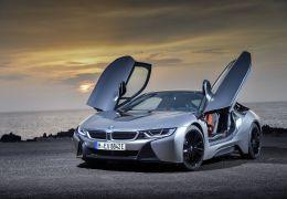 BMW coloca em pré-venda novos i8 Roadster e Coupé