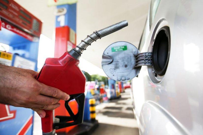 Gasolina e diesel seguem subindo nos postos brasileiros