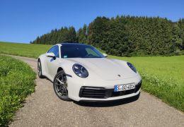 Porsche lança novo 911 no Brasil