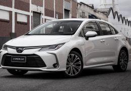 Toyota lança novo Corolla híbrido flex por R$ 124.990