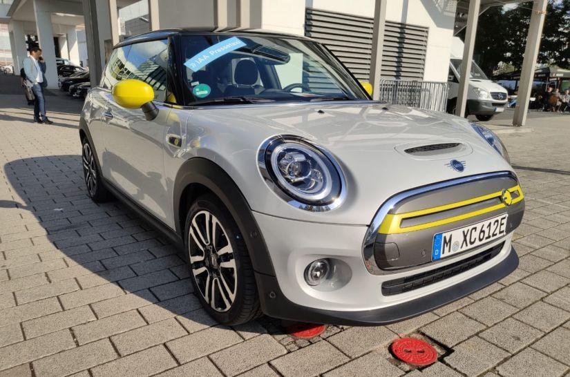 Mini apresenta Cooper SE elétrico e confirma lançamento no Brasil