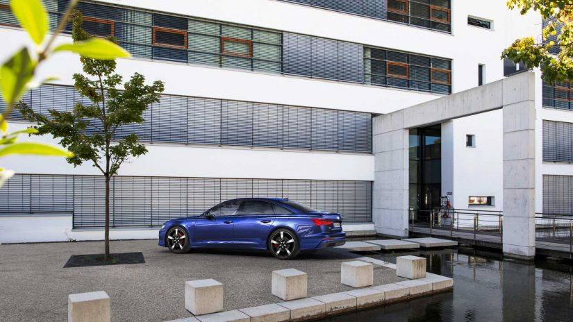 Audi anuncia versão híbrida plug-in do A6