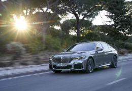 BMW anuncia Série 7 com cara nova e versão híbrida plug-in