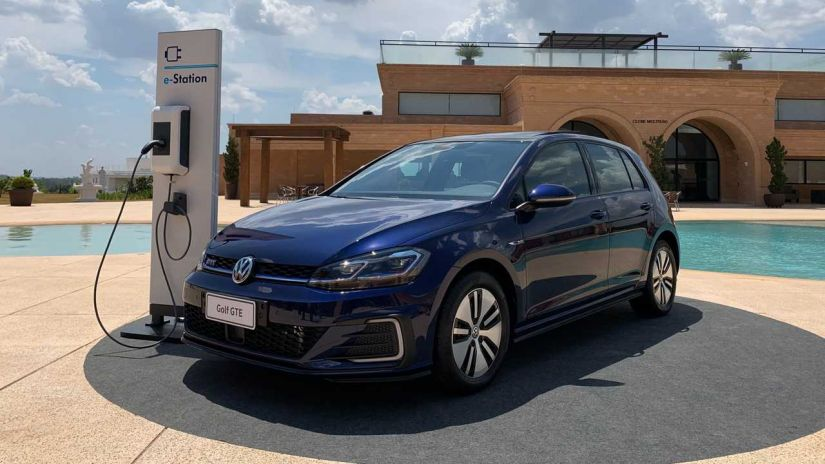Volkswagen confirma início das vendas do novo Golf GTE no Brasil