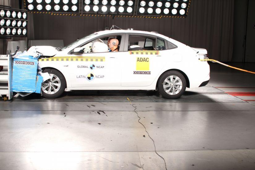 Novo Onix hatch consegue nota máxima em teste de colisão