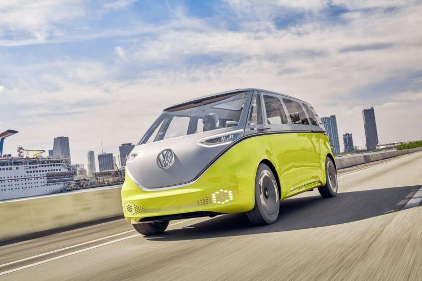 Volkswagen pode lançar nova Kombi elétrica no Brasil