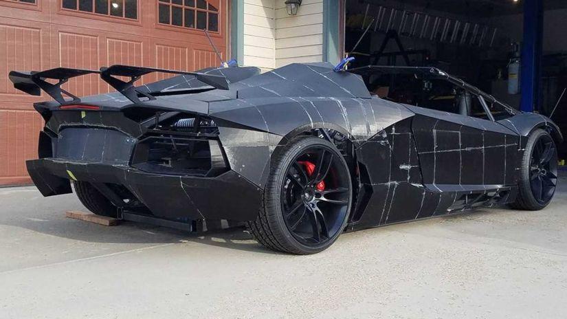 Família faz réplica de Lamborghini em impressora 3D