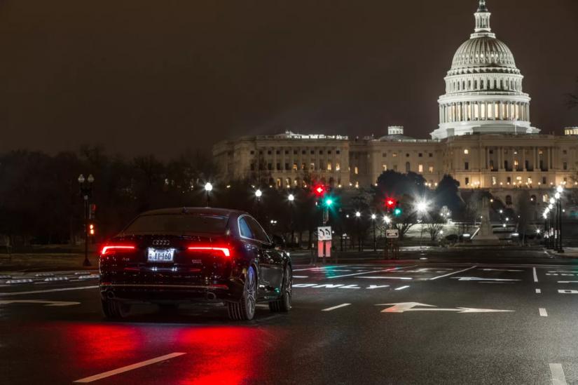 Audi anuncia sistema que ajuda motorista a evitar semáforos fechados