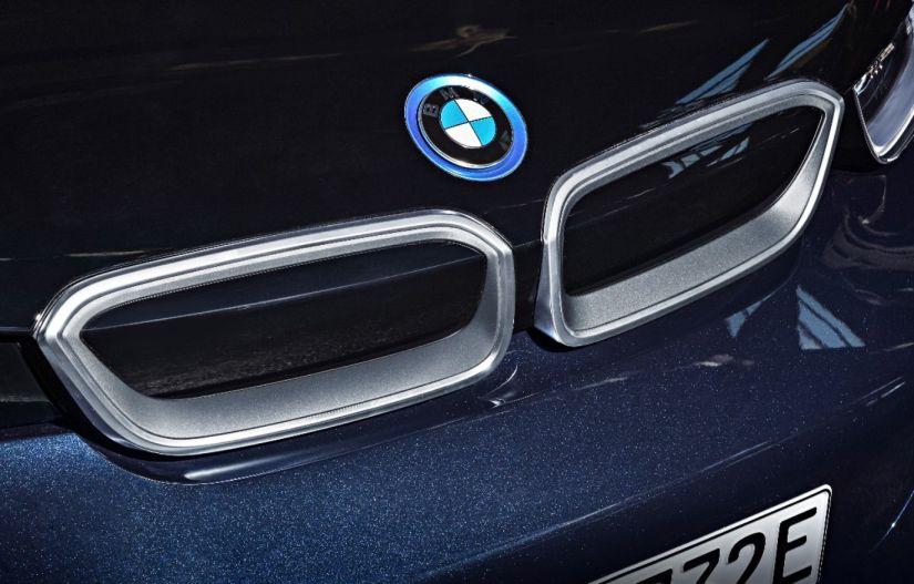 Grupo BMW começa a vender planos de manutenção com desconto