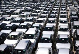 Venda de veículos cai 22% no Brasil em março