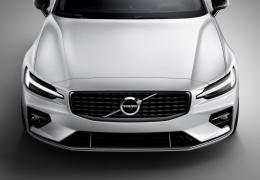 Volvo define 180 km/h como velocidade máxima dos seus carros novos