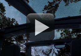 Novo GMC Hummer elétrico mostra teto removível que simula experiencia ao ar livre