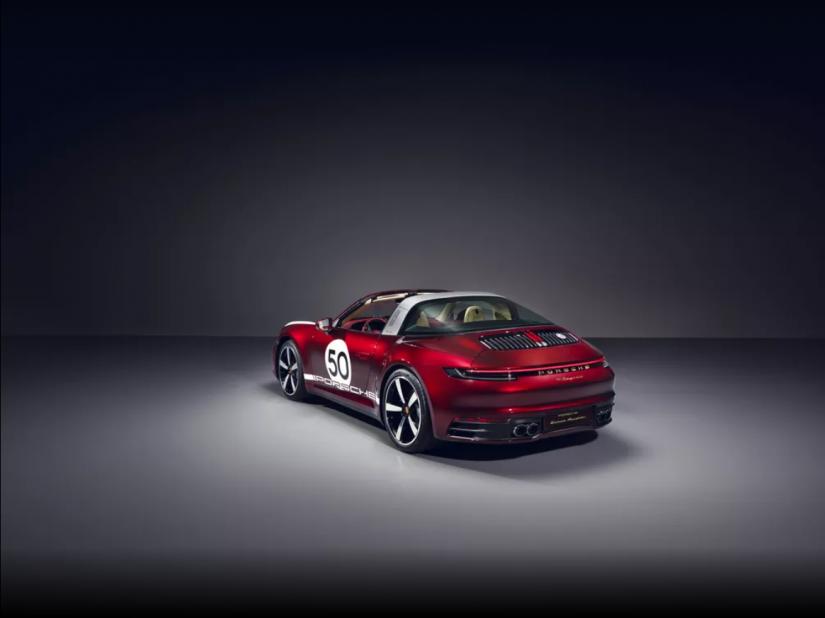 Porsche 911 Targa 2020 ganha versão com desenho retro