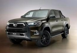Nova Toyota Hilux é apresentada com novo visual