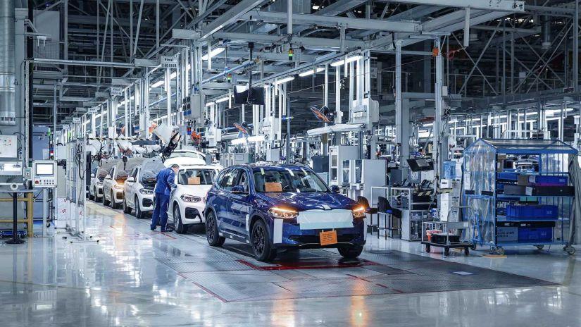 BMW coloca em pré-produção novo SUV Elétrico iX3