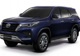 Toyota SW4 2021 aparece em registro no Brasil