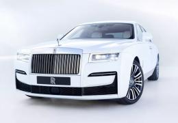 Rolls-Royce apresenta novo modelo Ghost com portas que abrem e fecham sozinhas