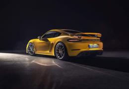 Porsche confirma vendas de 718 Cayman GT4 e 718 Spyder no Brasil