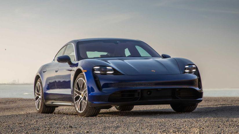Porsche Taycan chega ao Brasil por R$ 589 mil