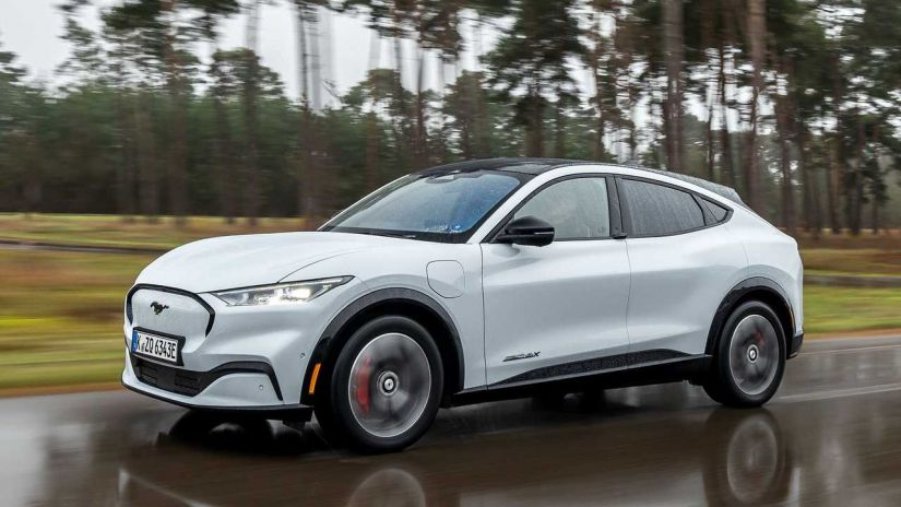 Mustang SUV elétrico terá novo sistema que substituiu maçanetas