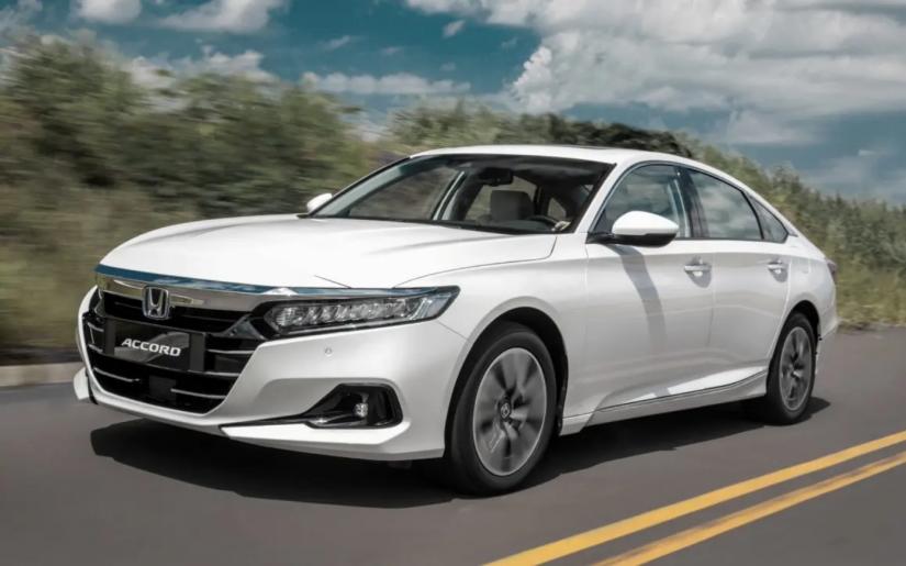 Honda Accord reestilizado deve chegar no 2º semestre