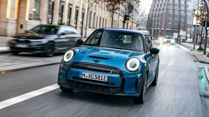 Mini Cooper elétrico ganha nova versão no Brasil