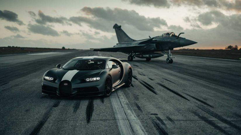 Bugatti Chiron aposta corrida com jato militar