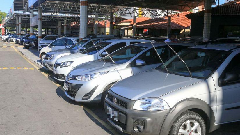 Vendas de carros usados sobem 18% em maio