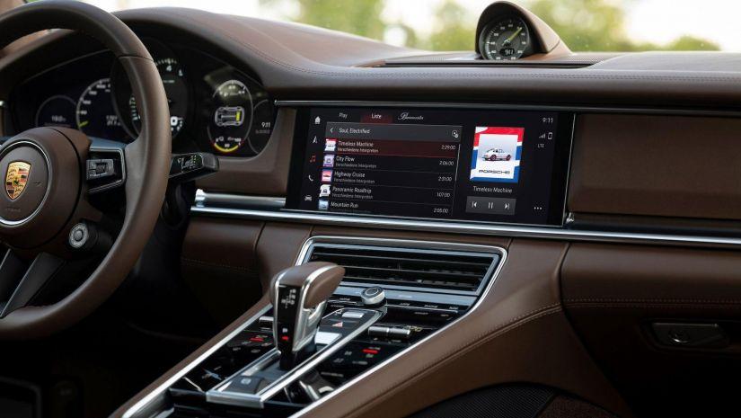 Porsche terá sistema que personaliza música com base no jeito de dirigir