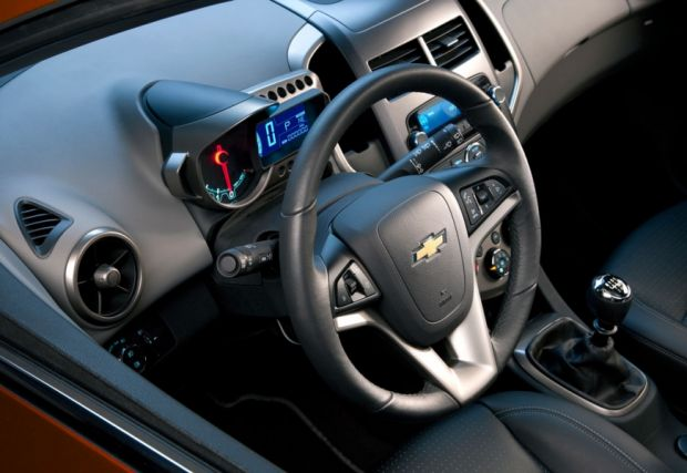Chevrolet Sonic - Foto 3