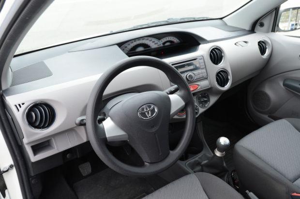 Toyota Etios - Interior