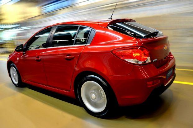 Cruze Sport6 vermelho