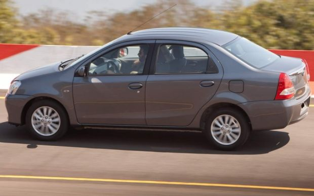 Toyota Etios Sedan - Foto 4