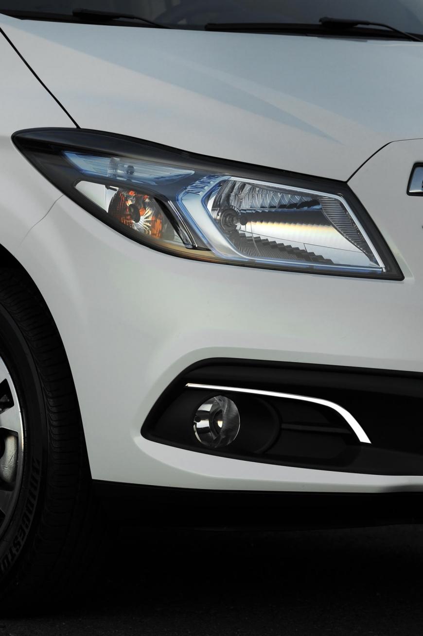 Chevrolet Onix - Detalhe Farol