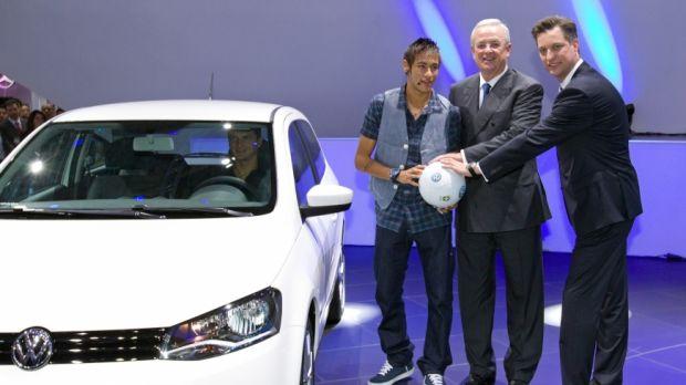 Neymar apresenta o novo Gol 2 Portas