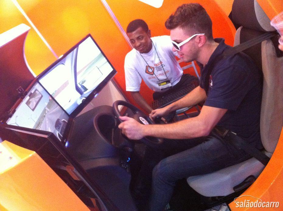 Simulador está disponível no Salão do Automóvel