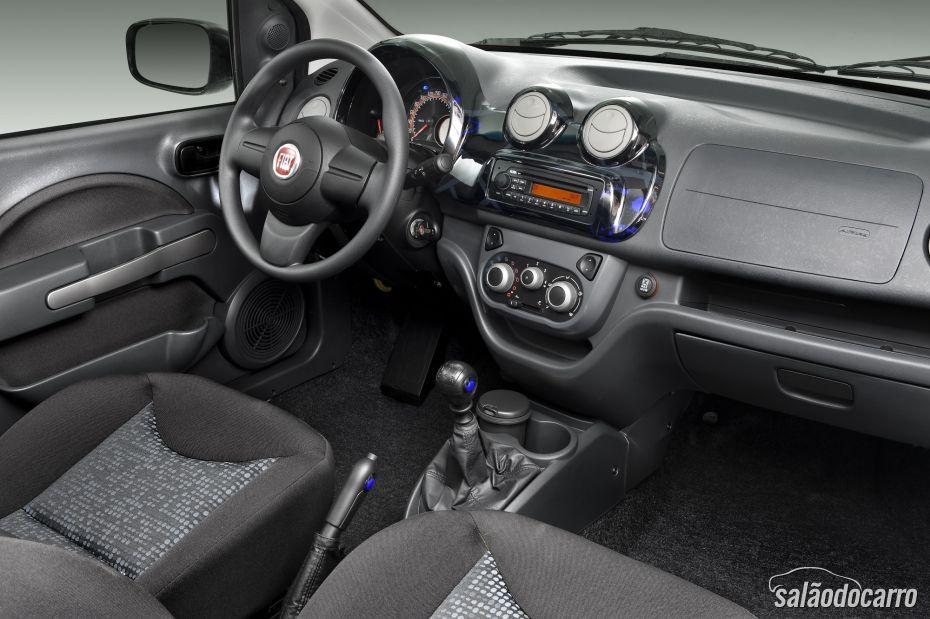 Fiat Uno - Versão Attractive - Interior