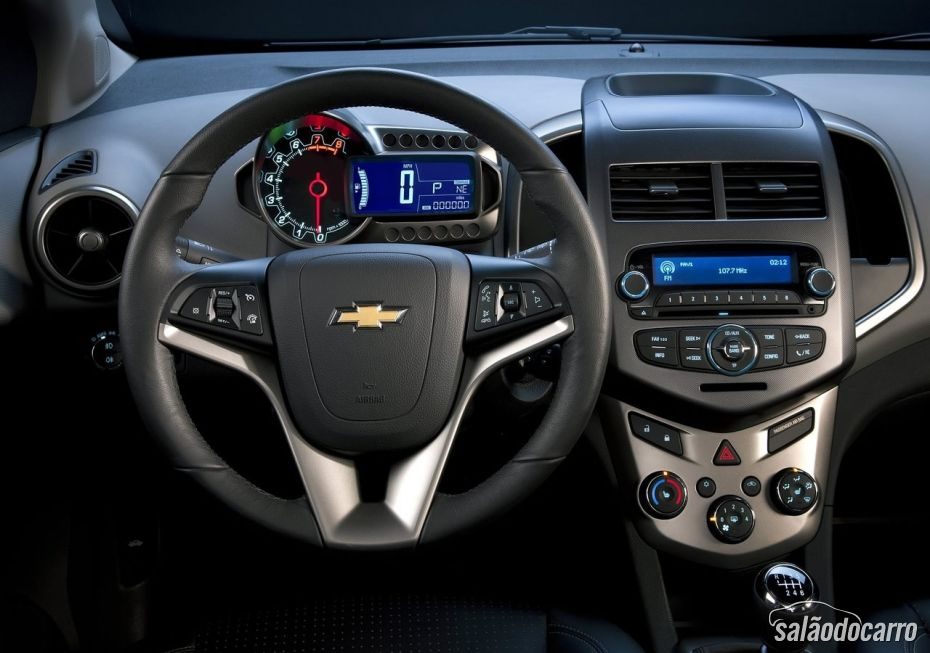 Chevrolet Sonic - Foto 7