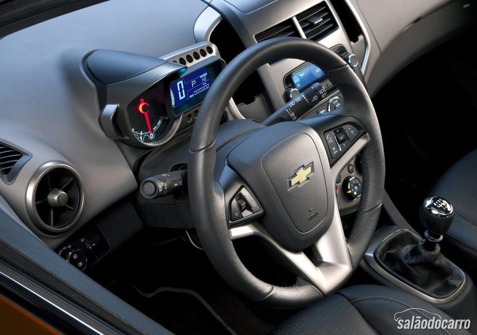 Chevrolet Sonic - Foto 8