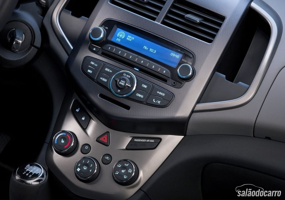 Chevrolet Sonic - Foto 9