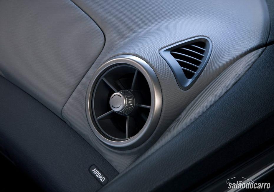 Chevrolet Sonic - Foto 10