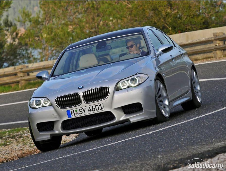 BMW M5 4.4 V8 - Foto 2