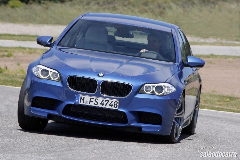 BMW M5 4.4 V8 - Foto 3