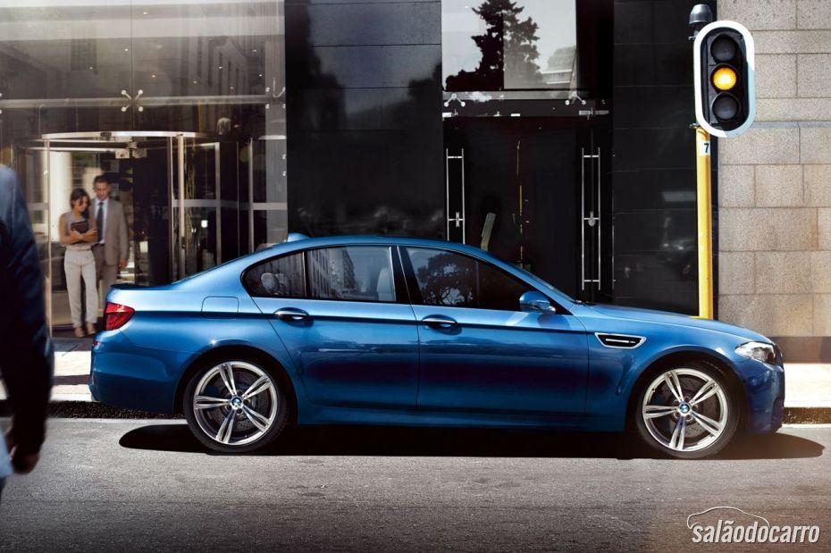 BMW M5 4.4 V8 - Foto 5