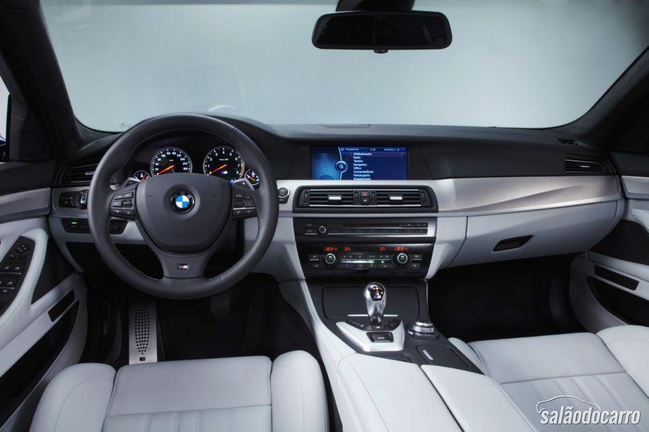 Iinterior BMW M5 2012