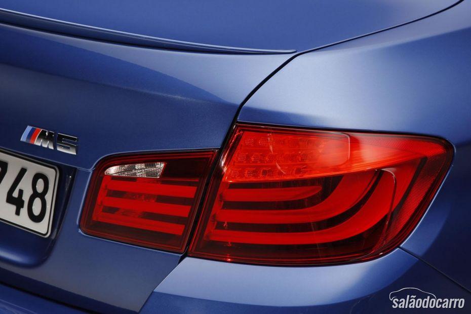 BMW M5 4.4 V8 - Foto 8