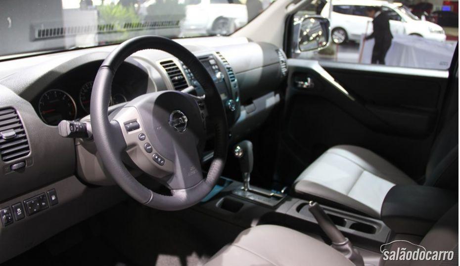 Interior Nissan Frontier 10 anos